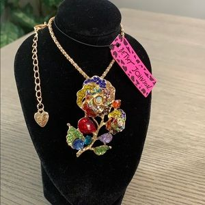 Betsey Johnson Summer Flower Necklace 🆕🌸🆕🌺
